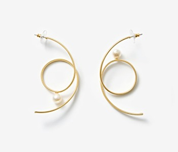 [Monday Edition] Spiral Earrings With Pearl